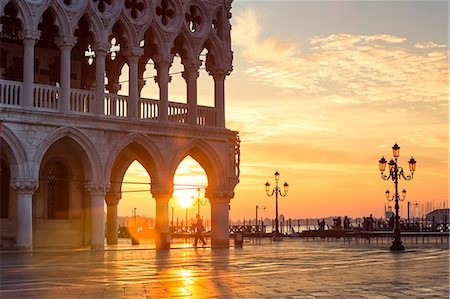 Italy, Veneto, Venice. Sunrise over Piazzetta San Marco and Doges palace Stock Photo - Rights-Managed, Code: 862-08090431