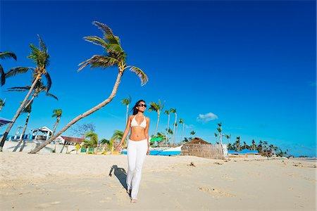 sandi model - South East Asia, Philippines, The Visayas, Cebu, Bantayan Island, Sugar Beach, girl walking on the beach (MR) Stock Photo - Rights-Managed, Code: 862-08091003