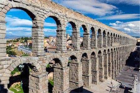 Roman aqueduct bridge, Segovia, Castile and Leon, Spain Stock Photo - Rights-Managed, Code: 862-08091170