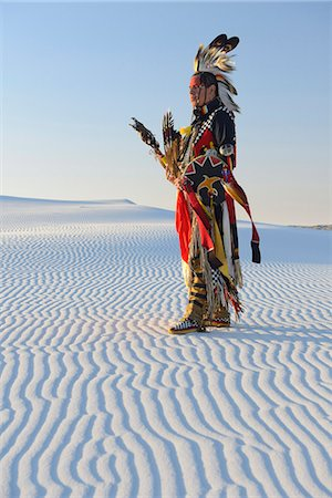 Native American in full regalia, White Sands National Monument, New Mexico, USA MR Stock Photo - Rights-Managed, Code: 862-08091424