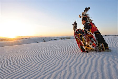 Native American in full regalia, White Sands National Monument, New Mexico, USA MR Stock Photo - Rights-Managed, Code: 862-08091425