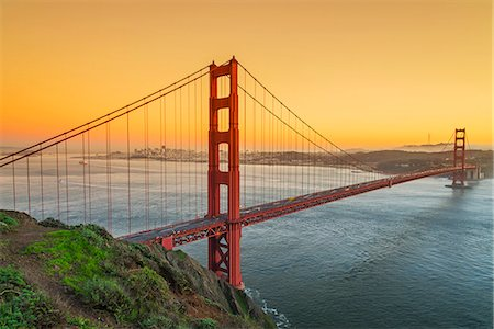 View from Battery Spencer over the Golden Gate suspension bridge with city skyline in the background, San Francisco, California, USA Stock Photo - Rights-Managed, Code: 862-08091471
