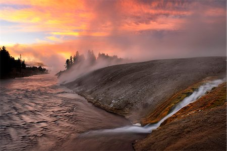 USA, Wyoming, Rockies, Rocky Mountains,Yellowstone, National Park, UNESCO, World Heritage, Firehole river at dawn at Midway Geyser Basin Stock Photo - Rights-Managed, Code: 862-08091567