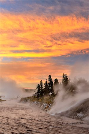 USA, Wyoming, Rockies, Rocky Mountains,Yellowstone, National Park, UNESCO, World Heritage, Firehole river at dawn at Midway Geyser Basin Stock Photo - Rights-Managed, Code: 862-08091568