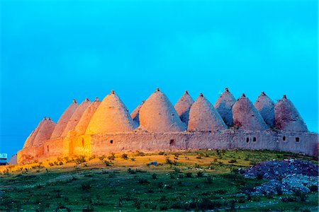 Turkey, Eastern Anatolia, village of Harran, beehive mud brick houses Fotografie stock - Rights-Managed, Codice: 862-08274000