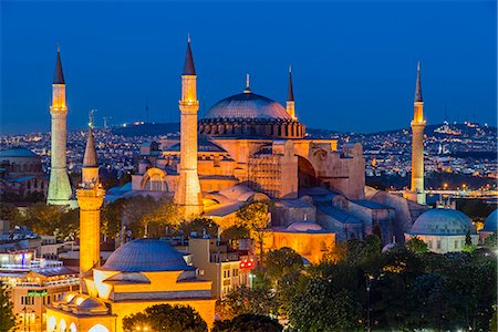 Night top view over Hagia Sophia, Sultanahmet, Istanbul, Turkey Stock Photo - Rights-Managed, Code: 862-08273895
