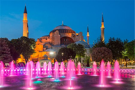 Night view of fountain light show with Hagia Sophia behind, Sultanahmet, Istanbul, Turkey Stock Photo - Rights-Managed, Code: 862-08273907