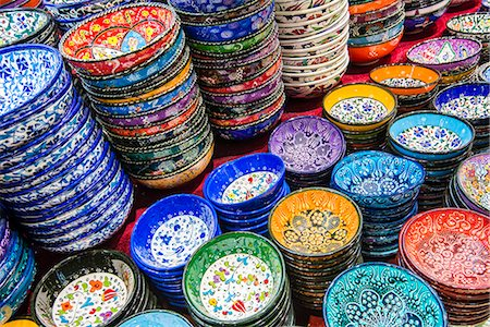 Classical Turkish ceramics at Grand Bazaar, Istanbul, Turkey Stock Photo - Rights-Managed, Code: 862-08273909