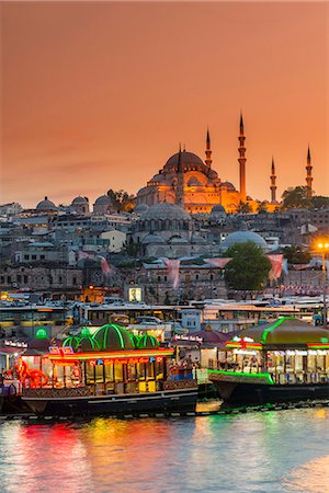 Suleymaniye Mosque and city skyline at sunset, Istanbul, Turkey Stock Photo - Rights-Managed, Code: 862-08273900
