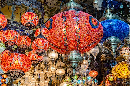 Lanterns hanging in a shop inside the Grand Bazaar (Kapal1carsi), Istanbul, Turkey Stock Photo - Rights-Managed, Code: 862-08273910