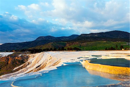 Turkey, Western Anatolia, Pamukkale, UNESCO site,  white travertine basins Fotografie stock - Rights-Managed, Codice: 862-08273951