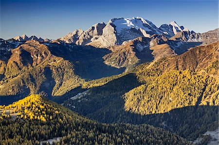 Europe, Italy, Veneto, Belluno. The grassy ridge of Padon, behind it the Marmolada, Dolomites Stock Photo - Rights-Managed, Code: 862-08698868
