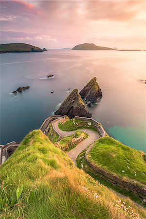Dunquin pier (Dún Chaoin), Dingle peninsula, County Kerry, Munster province, Ireland, Europe. Stock Photo - Rights-Managed, Code: 862-08699405