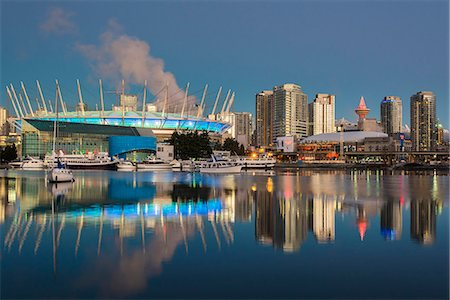 BC Place stadium and downtown skyline behind at sunrise, Vancouver, British Columbia, Canada Stock Photo - Rights-Managed, Code: 862-08718507