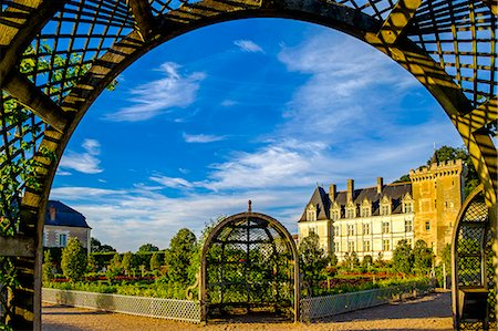 Chateau of Villandry gardens, Indre et Loire, Loire Valley, France, Europe Stock Photo - Rights-Managed, Code: 862-08718837