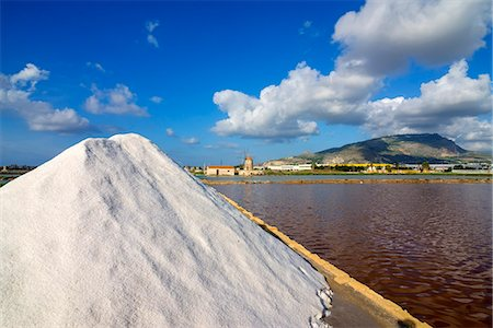 quaint - Europe, Italy, Sicily, Trapani, Trapani salt pans, Stock Photo - Rights-Managed, Code: 862-08719069