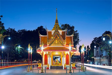 South East Asia, Thailand, Kanchanaburi, city gate Stock Photo - Rights-Managed, Code: 862-08719679
