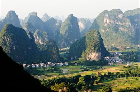 China,Guangxi Province,Yangshuo near Guilin. Karst limestone mountain scenery Stock Photo - Rights-Managed, Code: 862-03351776