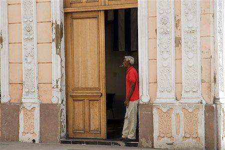 Cuba,Cienfuegos. The back streets of Cienfuegos Stock Photo - Rights-Managed, Code: 862-03352573