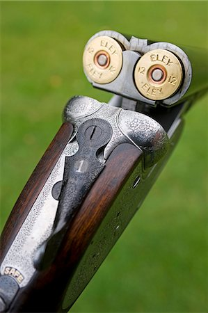 England; A fine side-by-side 12 bore shotgun made by premier English gunsmiths James Purdey and Sons Stock Photo - Rights-Managed, Code: 862-03353745