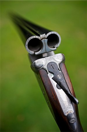 England; A fine side-by-side 12 bore shotgun made by premier English gunsmiths James Purdey and Sons Stock Photo - Rights-Managed, Code: 862-03353743