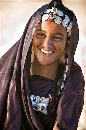 desert people dress photos - Mali,Timbuktu. A Tuareg woman with attractive silver jewellery at her desert home,north of Timbuktu. Stock Photo - Rights-Managed, Code: 862-03364262