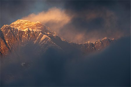 Nepal, Everest Region, Khumbu Valley. Mount Everest at sunset. Stock Photo - Rights-Managed, Code: 862-03731957