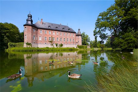 castle Dyck, Juechen, North Rhine-Westphalia, Germany Stock Photo - Rights-Managed, Code: 862-03887977