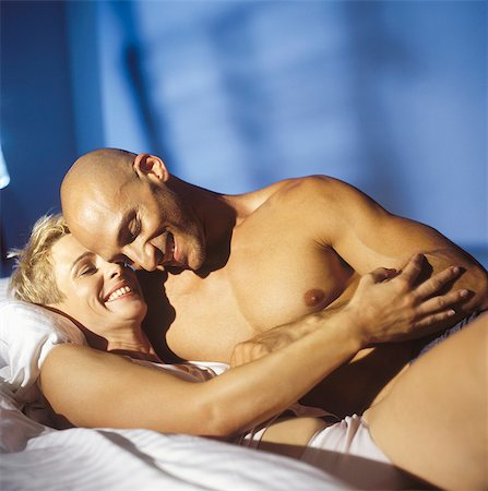Lovers in bed Stock Photo - Rights-Managed, Code: 877-06834162