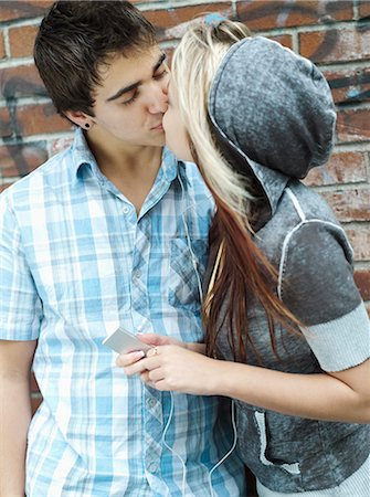 people kissing little boys - Teenagers kissing Stock Photo - Rights-Managed, Code: 877-06833919