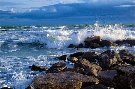 south - France, * Europe, France, Herault Frontignan the sea on a stormy day. Stock Photo - Rights-Managed, Code: 877-08079138