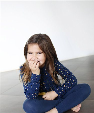 Portrait of a 6 years old girl smiling Stock Photo - Rights-Managed, Code: 877-08128975