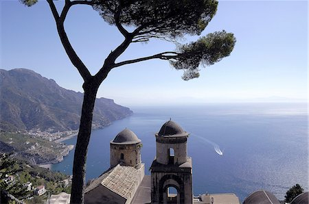 Italy, Amalfi coast, Ravello, landscapes and panorama at Villa Rufolo, the coupolas of the annuncacion church are visible from the gardens Stock Photo - Rights-Managed, Code: 877-08897980