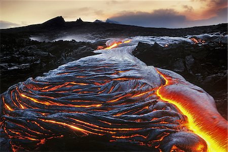 Flowing lava, Hawaii Volcanoes National Park, Hawaii Stock Photo - Rights-Managed, Code: 878-07442641