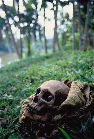 Skull in Bag Papua New Guinea Stock Photo - Rights-Managed, Code: 873-06440169