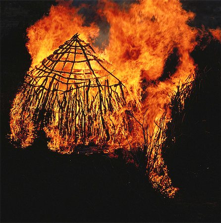 fire - Bushman Hut on Fire Stock Photo - Rights-Managed, Code: 873-06440171