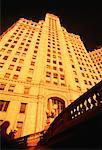 Regardant vers le haut de Wrigley Building, Chicago, Illinois, USA