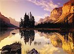 Maligne Lake at Sunrise, Queen Elizabeth Range, Spirit Island Jasper National Park, Alberta Canada