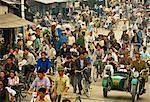 Vue d'ensemble de la rue bondée Hanoi, Vietnam