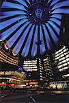 Bâtiments sur la place Potsdamer nuit, Berlin, Allemagne