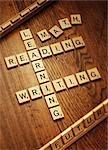 Tuiles de lettre orthographe mathématiques d'apprentissage, de lecture et d'écriture