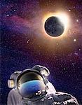 Lune éclipsant le soleil avec l'astronaute dans l'espace