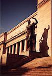 Bâtiment et Statue, la Havane, Cuba