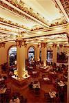 Intérieur du Lobby au Peninsula Hotel Hong Kong