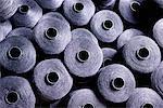 Gros plan des bobines dans une usine de fabrication de Textile