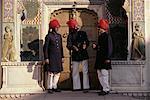 Trois gardes au City Palace de Jaipur, Rajasthan, Inde