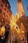 Channel Gardens at Christmas Rockefeller Centre New York, New York, USA