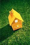 Maison avec coffre-fort comme porte d'entrée