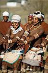 Filles autochtones dansant Umtata, Transkei en Afrique du Sud