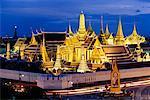 Grand Palais et le Wat Phra Keo à nuit Bangkok, Thaïlande